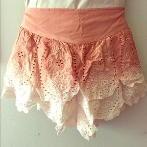 Free People Tiered Eyelet Short - Coral Hombre